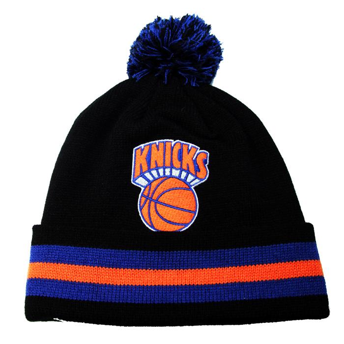 4093febedcf NEWYORK KNICKS Mitchell   Ness HWC NBA team color CUFFED POM KNIT ...