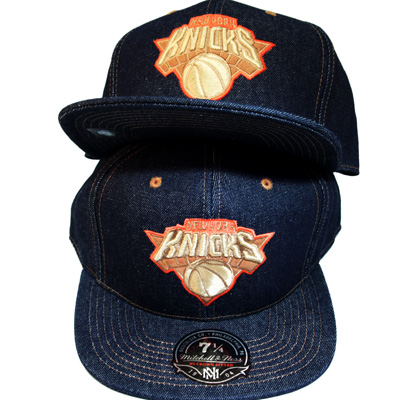 96fd11cdf7062b NEWYORK KNICKS classic NBA Mitchell   Ness FITTED HAT with blue ...