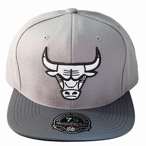 Mitchell   Ness NBA Chicago Bulls Fitted Hat Air Jordan 11 Retro ... 1e827803ec9