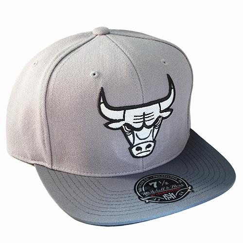 Mitchell   Ness NBA Chicago Bulls Fitted Hat Air Jordan 11 Retro ... a0f7c05dc00
