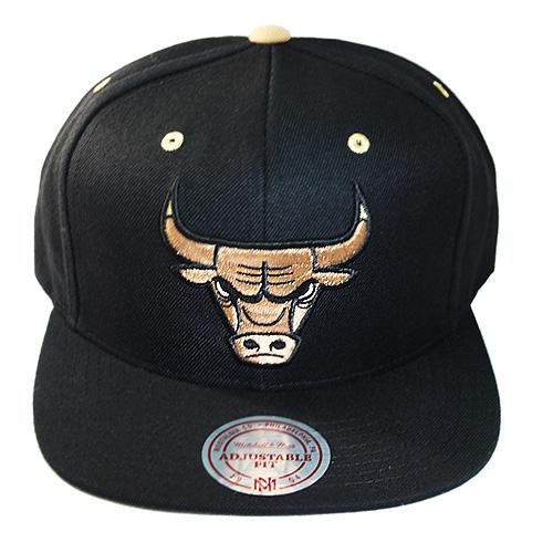 Mitchell   Ness NBA Chicago Bulls Snapback Hat Air Jordan Retro 1 ... fe50a4cb932d