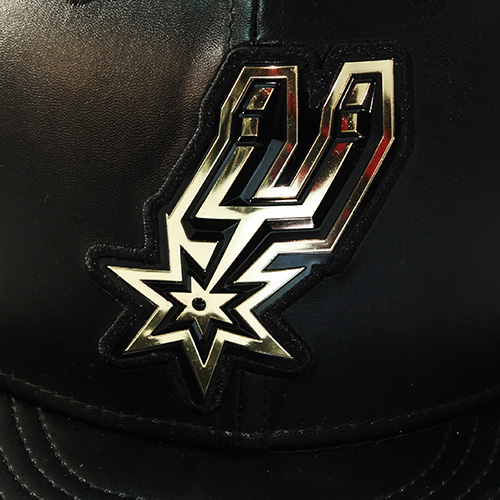 91af95467bd965 New Era San Antonio Spurs P.U Fitted Hat Metallic Logo Hardwood ...