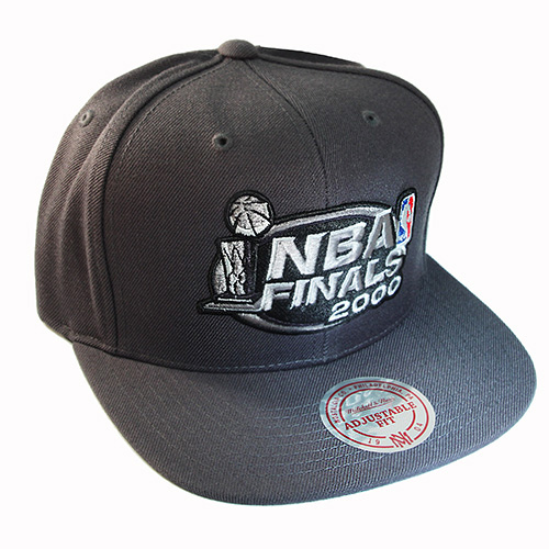 Mitchell /& Ness Los Angeles Lakers Dark Grey Snapback Hat The NBA Final 2000 Cap