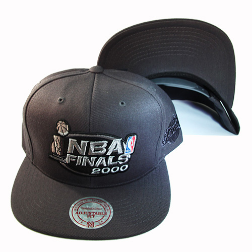Mitchell /& Ness Los Angeles Lakers Dark Grey Snapback Hat The NBA Final 2000 Cap