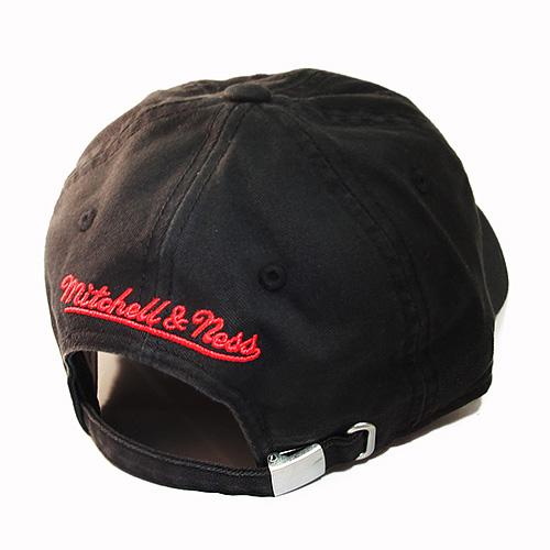 innovative design 98862 9ee1c Mitchell   Ness Chicago Bulls Vintage Dad Hardwood Classic Daddy ...