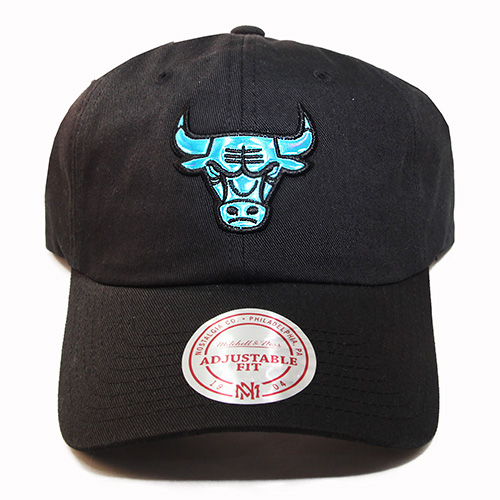 Mitchell   Ness Chicago Bulls Dad Daddy Strapback Hat Nike Air ... ecc2d25685c